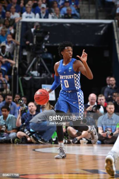 De'Aaron Fox of the University of Kentucky Wildcats dribbles up the court during a game against the University of North Carolina Tar Heels during the...