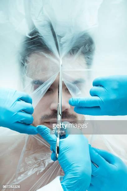 lijk - autopsy stockfoto's en -beelden