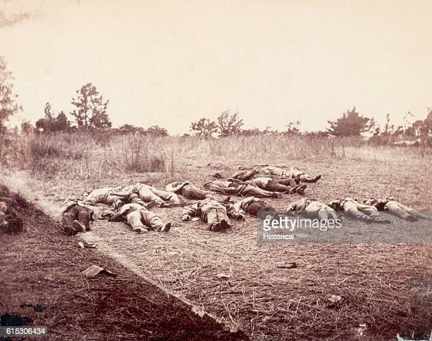 Dead Confederate soldiers await burial at Rose Farm near Gettysburg, Pennsylvania. July 5, 1863. | Location: near Gettysburg, Pennsylvania, USA.