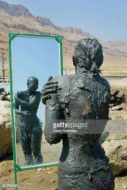 dead sea faces environmental disaster without international support - retreating ストックフォトと画像