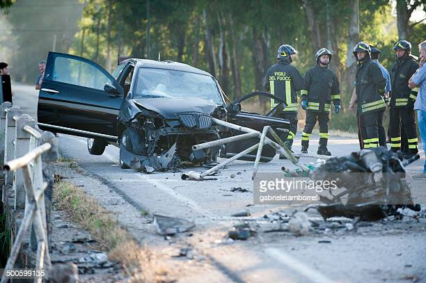 deadly car crash - veiligheidshek stockfoto's en -beelden