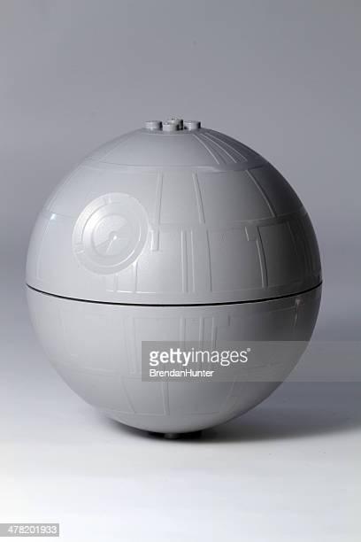 l'arme secrète sphère - lego star wars photos et images de collection