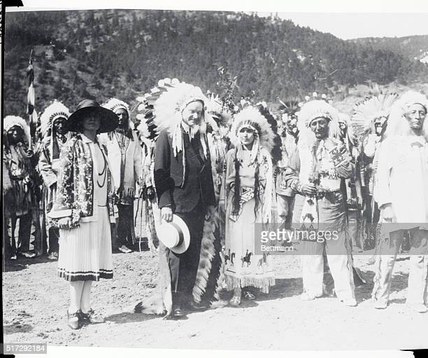 Deadwood, S.D.: Left to right: Mrs. Coolidge, President Coolidge, Princess Rose Bud Yellow Robe, Chief Yellow Robe and Chief Standing Bear, after the...