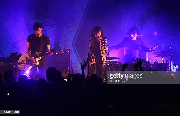 Dean Fertita Alison Mosshart and Jack White perform with The Dead Weather during a surprise free concert to launch the Microsoft Kin at the Marquardt...