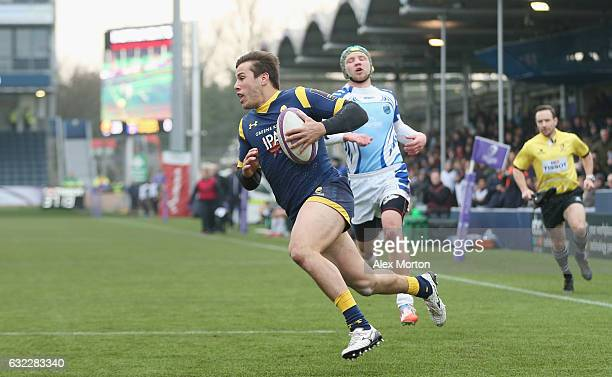 Dean Hammond of Worcester scores their fifth try during the European Rugby Challenge Cup match between Worcester Warriors and EniseiSTM at Sixways...