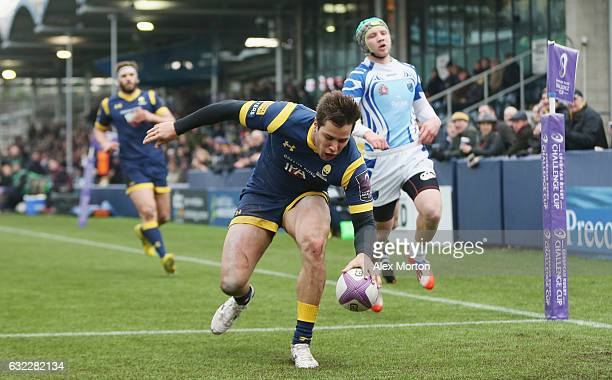 Dean Hammond of Worcester scores their second try during the European Rugby Challenge Cup match between Worcester Warriors and EniseiSTM at Sixways...