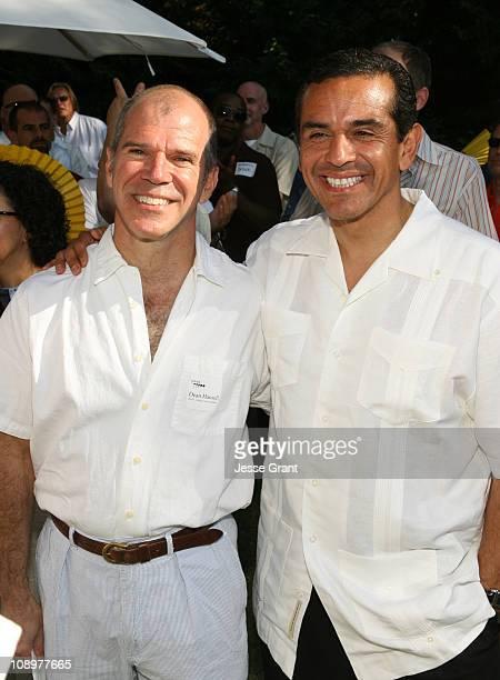 Dean Hassell and Los Angeles Mayor Antonio Villaraigosa