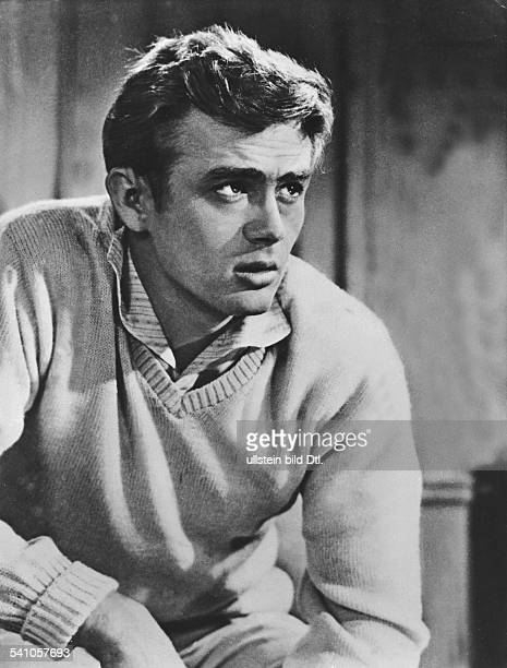 Dean James Actor USA * Scene from the movie 'East of Eden'' Directed by Elia Kazan USA 1955 Produced by Warner Bros Pictures Vintage property of...