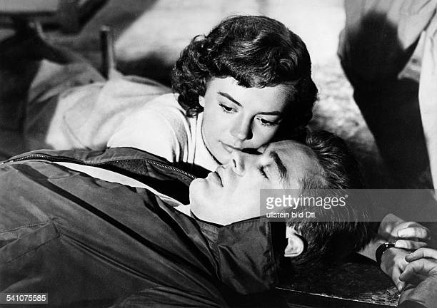 Dean James Actor USA * Scene from the movie 'Rebel Without a Cause'' with Natalie Wood Directed by Nicholas Ray USA 1955 Produced by Warner Bros...