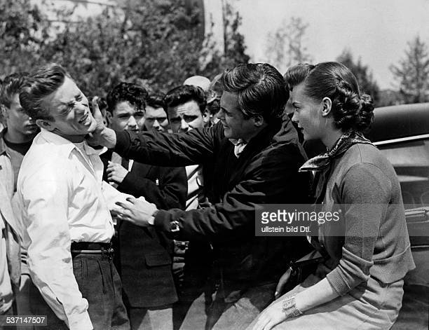 Dean James Actor USA Scene from the movie 'Rebel without a Cause'' Dean with Corey Allen and Natalie Wood Directed by Nicholas Ray USA 1955 Vintage...