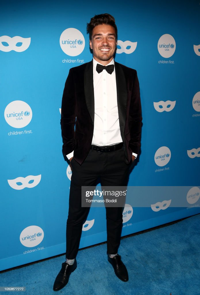 Sixth Annual UNICEF Masquerade Ball 2018 - Red Carpet : News Photo