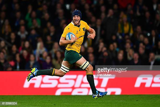 Dean Mumm breaks clear to score a try during The Rugby Championship match between Argentina and Australia at Twickenham Stadium on October 8 2016 in...
