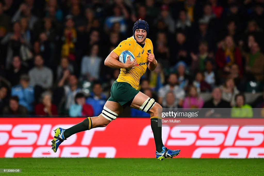 Dean Mumm breaks clear to score a try during The Rugby Championship match between Argentina and Australia at Twickenham Stadium on October 8, 2016 in London, England.