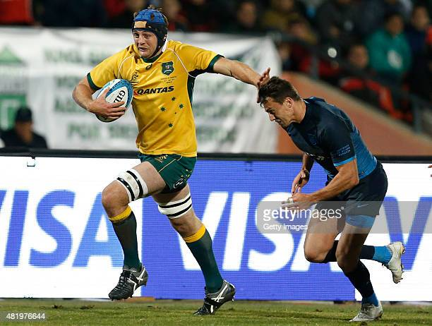 Dean Mumm of Australia drives the ball during a match between Australia and Argentina as part of The Rugby Championship 2015 at Estadio Malvinas...