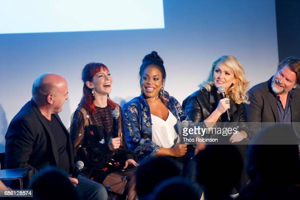 Dean Norris, Carrie Preston, Niecy Nash, Jenn Lyon and Eliot Lawrence speak onstage at the Claws and Cocktails panel during the 2017 Vulture Festival...