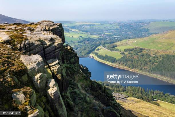 dean rocks, dove stone reservoir, greenfield, greater manchester - グレーターマンチェスター ストックフォトと画像