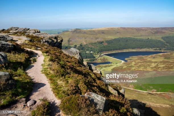 dean rocks, dove stone reservoir, greenfield, greater manchester - footpath stock pictures, royalty-free photos & images