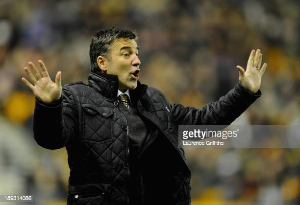 Dean Saunders of Wolverhampton Wanderers gives instructions during the npower Championship match between Wolverhampton Wanderers and Blackburn Rovers...