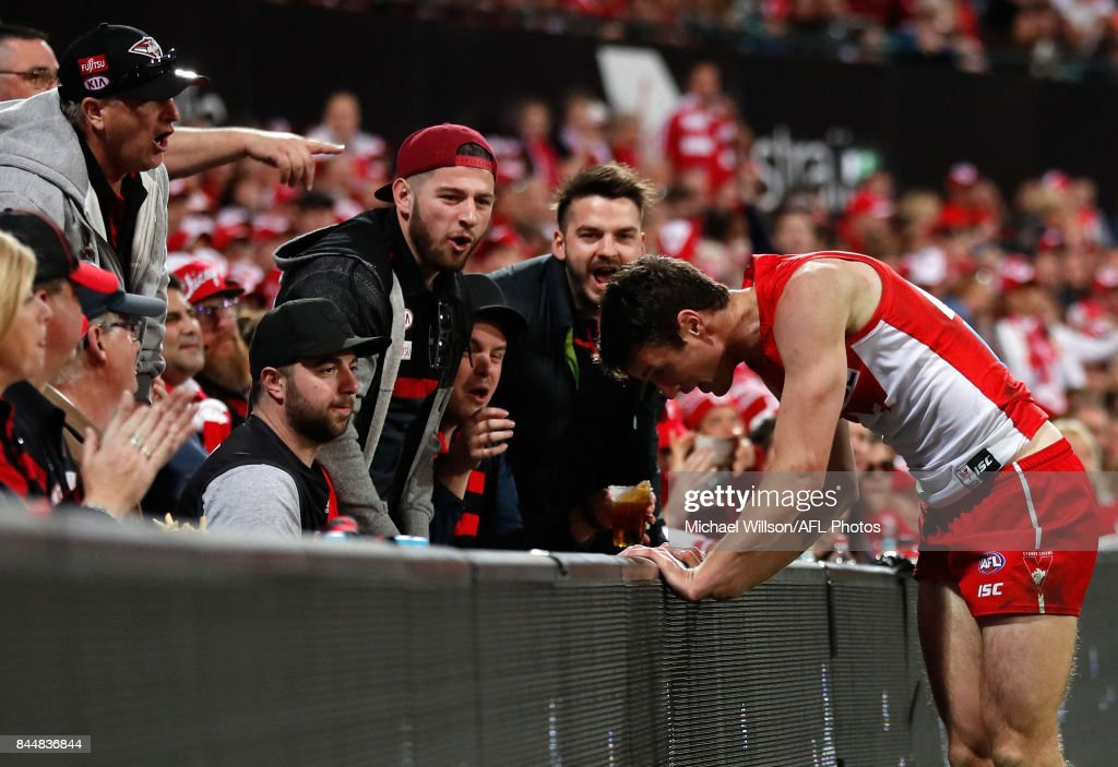 AFL Second Elimination Final - Sydney v Essendon : News Photo