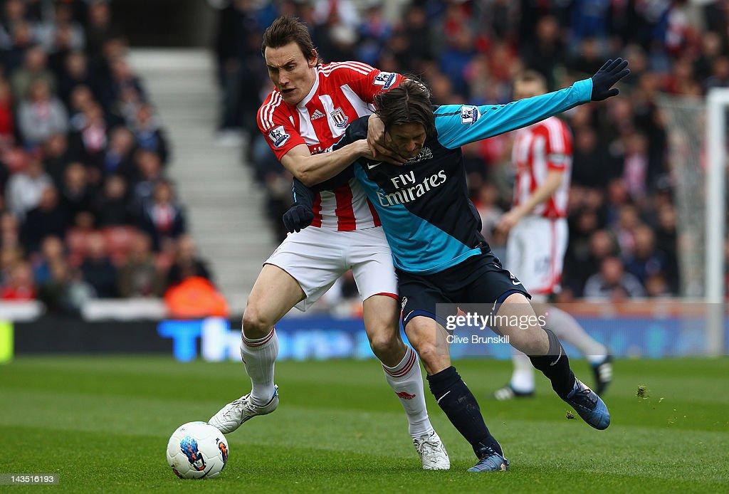 Stoke City v Arsenal - Premier League : ニュース写真