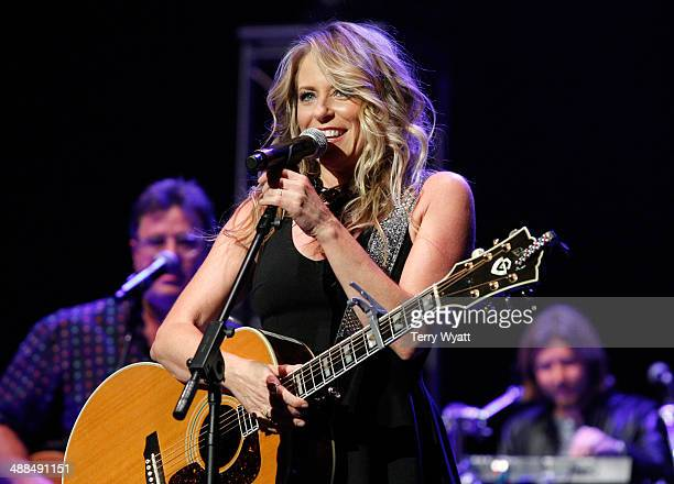 Deana Carter performs on stage during Keith Urban's Fifth Annual We're All 4 The Hall Benefit Concert at the Bridgestone Arena on May 6 2014 in...