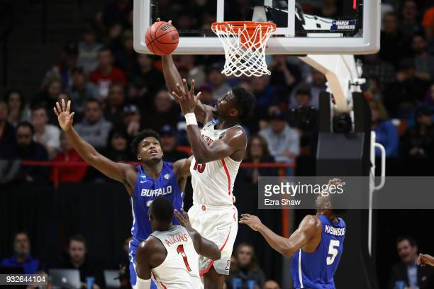 Deandre Ayton of the Arizona Wildcats battles for a rebound in the second half against the Buffalo Bulls during the first round of the 2018 NCAA...