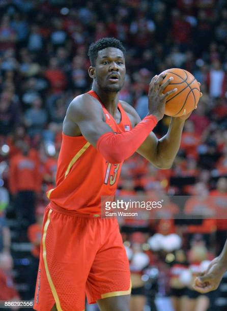 Deandre Ayton of the Arizona Wildcats looks ot pass against the UNLV Rebels during their game against the UNLV Rebels at the Thomas Mack Center on...