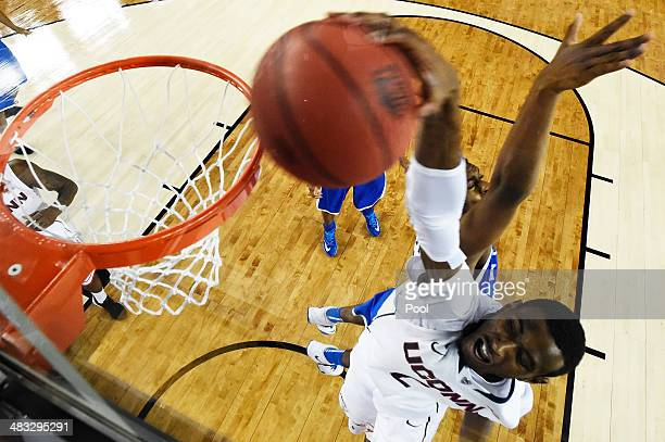 DeAndre Daniels of the Connecticut Huskies dunks against the Kentucky Wildcats during the NCAA Men's Final Four Championship at ATT Stadium on April...