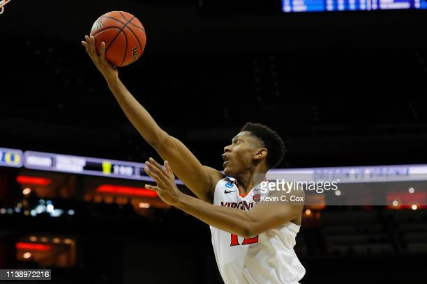 De'Andre Hunter of the Virginia Cavaliers attempts a layup against the Oregon Ducks during the second half of the 2019 NCAA Men's Basketball...