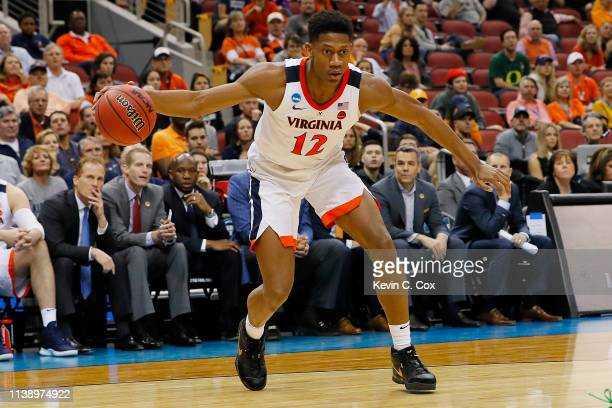 De'Andre Hunter of the Virginia Cavaliers in action against the Oregon Ducks during the second half of the 2019 NCAA Men's Basketball Tournament...