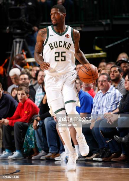 Deandre Liggins handles the ball against the Dallas Mavericks on Novemeber 18 2017 at the American Airlines Center in Dallas Texas NOTE TO USER User...