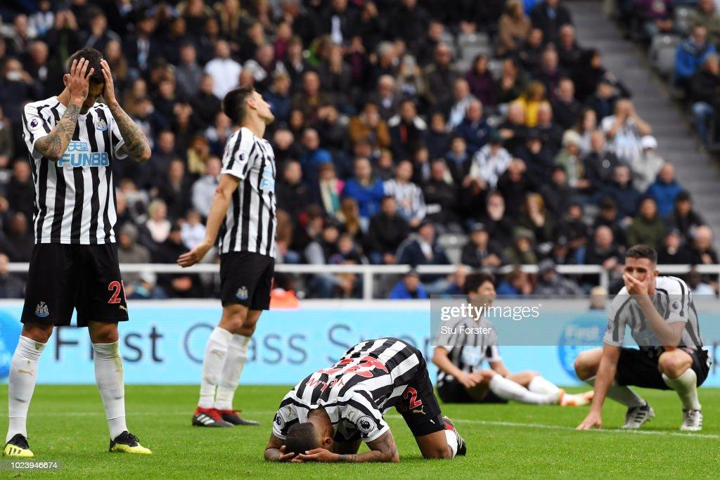 Newcastle United v Chelsea FC - Premier League : Nachrichtenfoto
