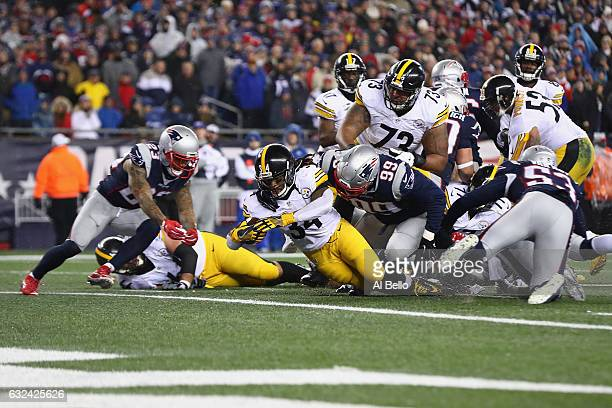 DeAngelo Williams of the Pittsburgh Steelers scores a touchdown during the second quarter against the New England Patriots in the AFC Championship...