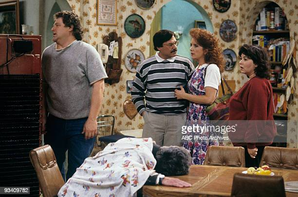 ROSEANNE Death and Stuff 4/11/89 John goodman Alan David Gelman Lee Garlington Roseanne Barr