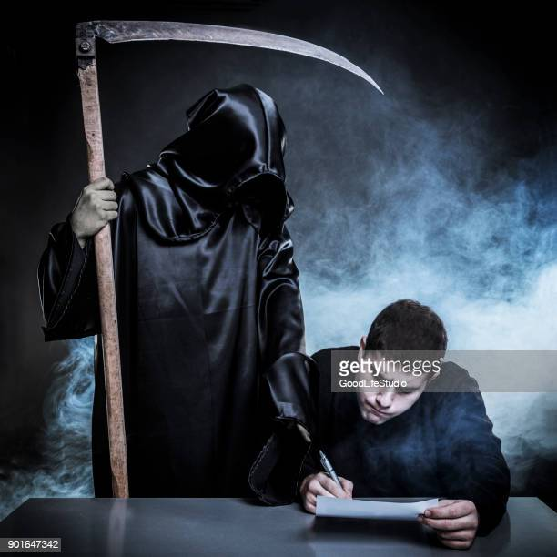 death contract - grim reaper stock pictures, royalty-free photos & images