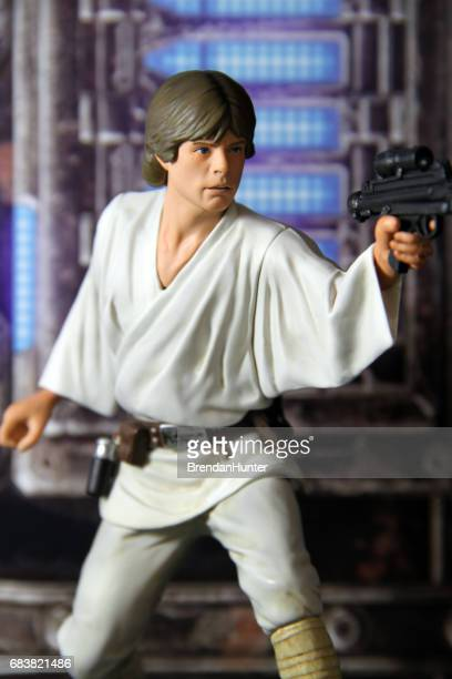 death star rescue - luke skywalker stock pictures, royalty-free photos & images