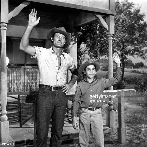 RIFLEMAN Death Trap Season Three 5/9/61 Lucas recognized an exgunslinger with whom he once traded shots Johnny Crawford also stars