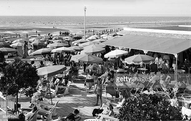 Deauville The beach about 1950 CAP54