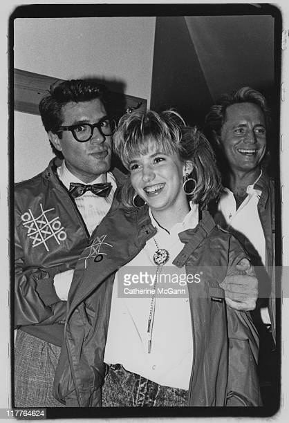 Debbie Gibson and Jim J Bullock pose for a photo in 1989 in New York City New York