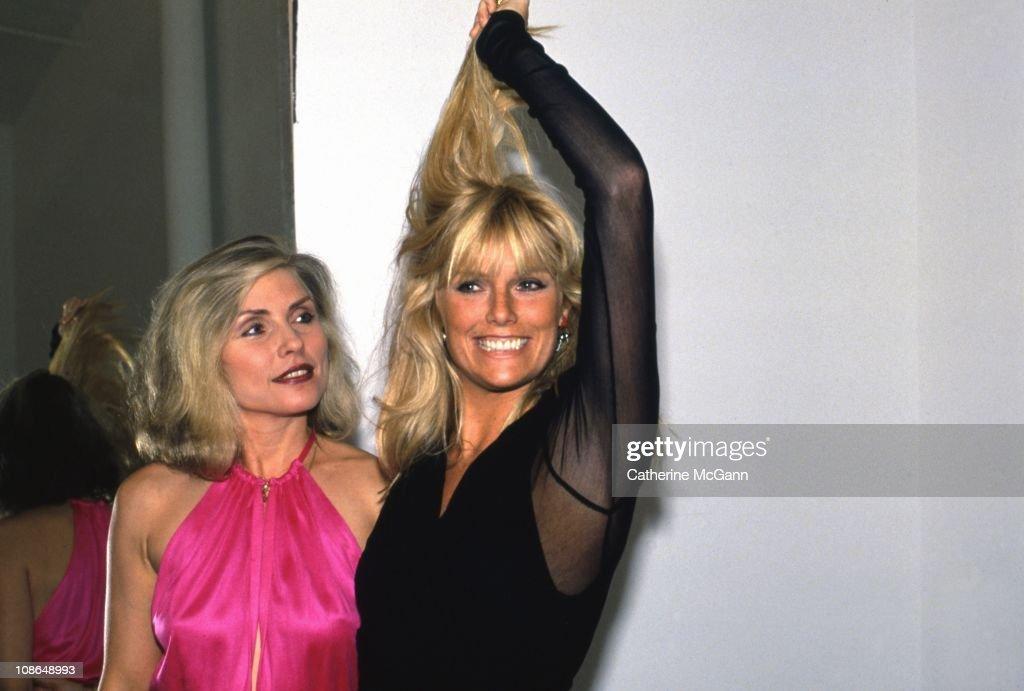 Debbie Harry And Patti Hansen : News Photo