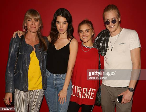 Debbie Leng Gala Gordon Tiger Lilly Taylor and Rufus Tiger Taylor attend a play reading of Building The Wall by Robert Schenkkan presented by...