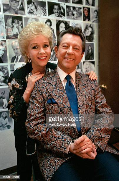 Debbie Reynolds and Donald O' Connor are photographed backstage in the make up room on the Merv Griffin Show for Self Assignment on August 1 1986 in...