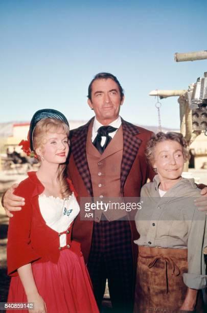 Debbie Reynolds Gregory Peck et Thelma Ritter dans le film 'La Conqête de l'Ouest' en 1962 EtatsUnis
