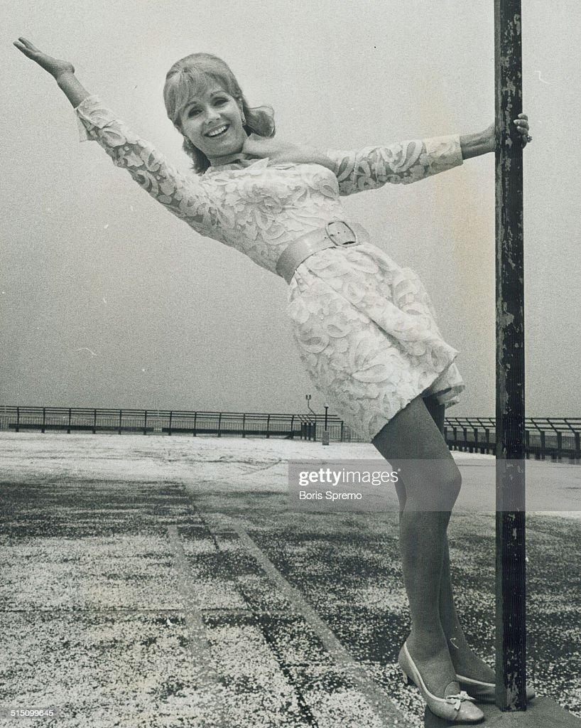 Debbie Reynolds... : News Photo