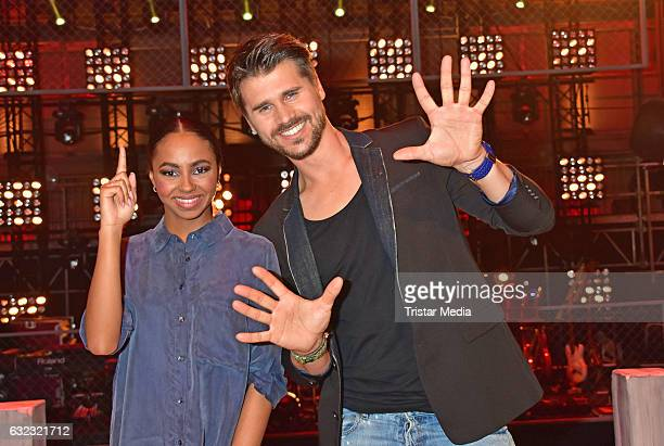 Debbie Schippers and german moderator Thore Schoelermann during the 'The Voice Kids' photo call on January 21 2017 in Berlin Germany