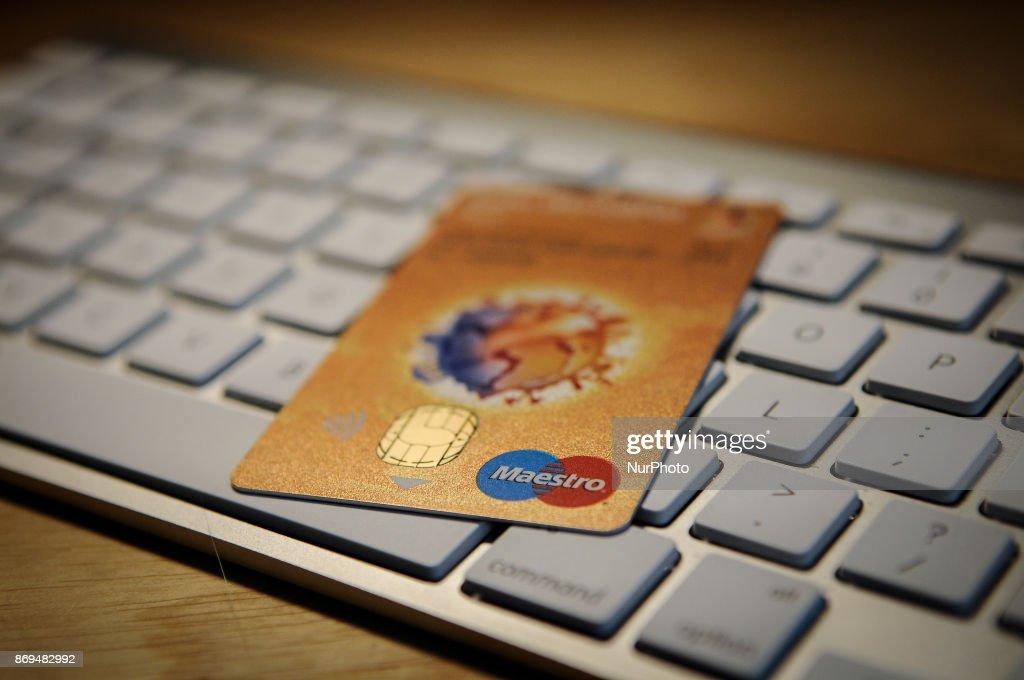 Apple Pay on an iPhone : News Photo