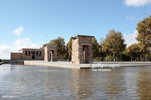 debod temple - iñaki respaldiza stock pictures, royalty-free photos & images