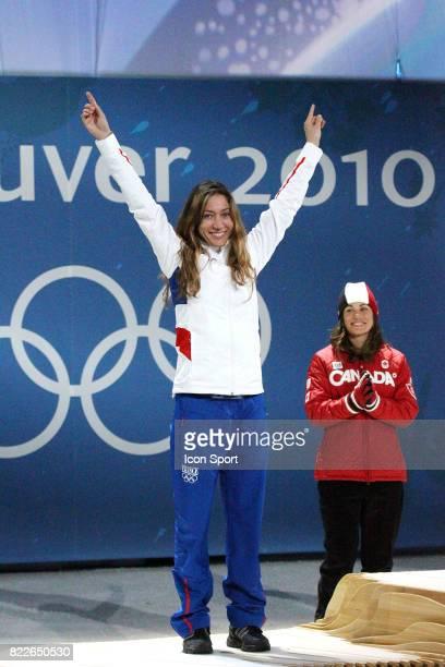 Deborah ANTHONIOZ Remise des medailles Snowboard Cross Cypress Mountain Jeux Olympiques 2010 Vancouver
