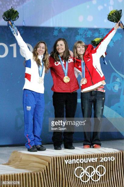 Deborah Anthonioz / Maelle Ricker / Olivia Nobs Remise des medailles Snowboard Cross Cypress Mountain Jeux Olympiques 2010 Vancouver