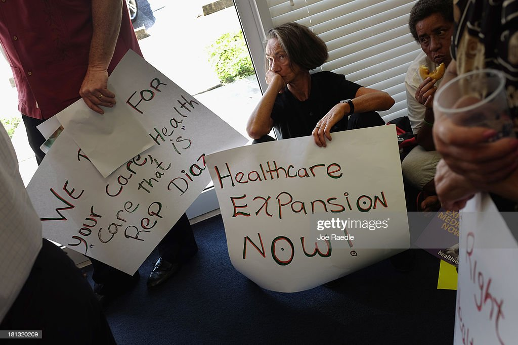 Activists Demonstrate In Support Of Medicaid Expansion And The Affordable Healthcare Act : News Photo